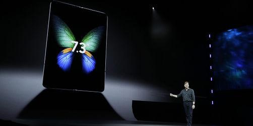 Video: So sieht das neue 2000 Euro Falt-Smartphone von Samsung aus