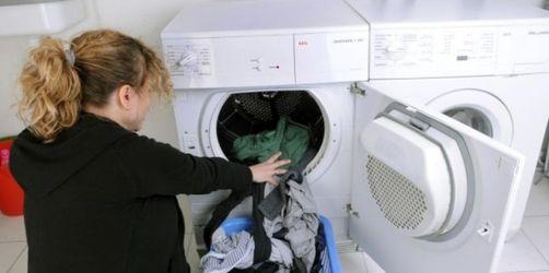 Institut für Schadenverhütung warnt: Brandgefahr durch Wärmereaktion im Wäschekorb