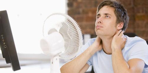 Hitzefrei im Job? Das müsst ihr als Arbeitnehmer wissen