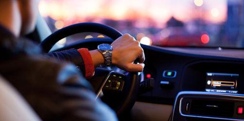 Autofahren im Freistaat: So viel könnt ihr bei der Kfz-Versicherung beeinflussen