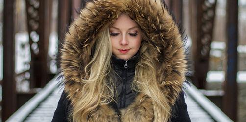 Wirklich Kunstpelz? So erkennt ihr, ob für eure Winter-Kleidung ein Tier stirbt