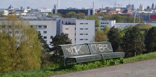 Über 1.000 beschädigte Bänke: So gehen Bayerns Städte gegen Randalierer vor