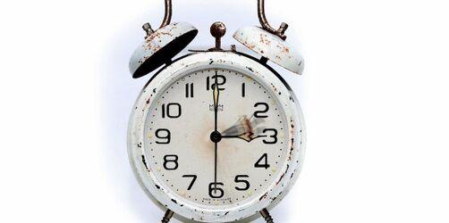 Zeitumstellung: Es wird doch wieder an der Uhr gedreht