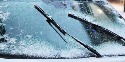 Schnee, Glätte, schlechte Sicht: Tipps fürs Autofahren in der kalten Jahreszeit