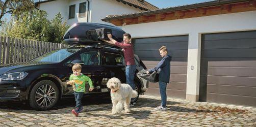Dachbox, Licht und Reifen: So macht ihr euer Auto fit für den Urlaub!