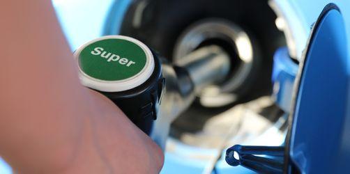 Tanken im Ausland: Hier zahlt ihr bis zu 60 Cent mehr pro Liter!