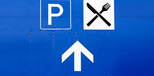 Raststätte versus Autohof: So viel könnt ihr bei eurer Autobahn-Pause sparen