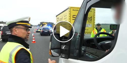 Im Video: Wütender Polizist nimmt sich nach Unfall dreiste Gaffer zur Brust