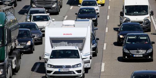 Rundum-Service zum Ferienstart: Hier Straßen, Abflüge und Züge checken
