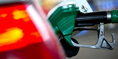 Tankstellen-Vergleich beweist Preis-Irrsinn! So viel teurer ist Sprit an Autobahnen