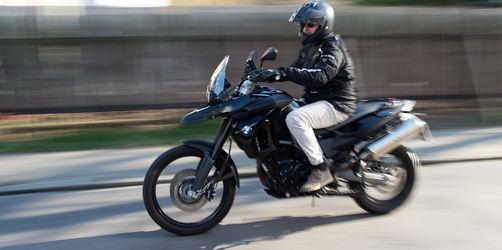 Motorrad fahren mit Auto-Führerschein ohne Extra-Prüfung: So geht's