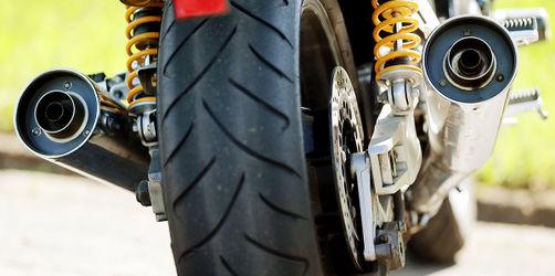 Neue Regeln für Motorradfahrer: Kommt das Fahrverbot an Sonn- & Feiertagen?
