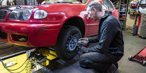 Jetzt doch erlaubt: Innenministerium lockert Regelung für Reifenwechsel