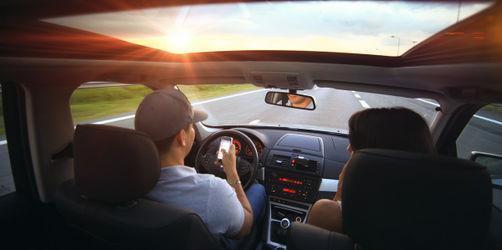 """""""Heißes Auto"""" als Gefahr: Diese Dinge solltet ihr bei Hitze nie liegen lassen"""