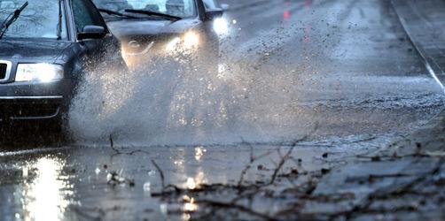 Unwetterwarnungen zum Wochenstart: Hier müsst ihr mit Starkregen rechnen