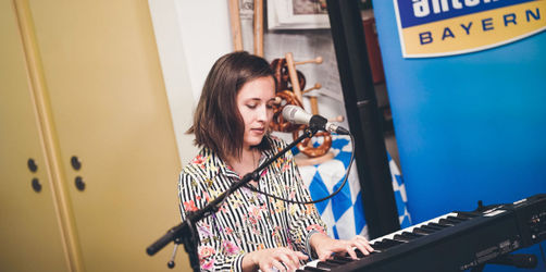 Kaffeeküchen-Konzert: Alice Merton live bei ANTENNE BAYERN!