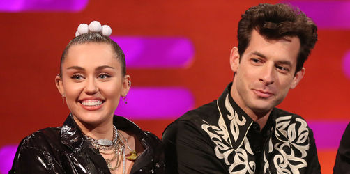 Mark Ronson feat. Miley Cyrus – Nothing Breaks Like A Heart