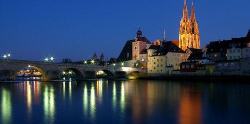 Steigende Infektionszahlen: Regensburg verschärft Corona-Maßnahmen
