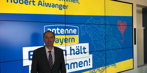 Wirtschaftsminister Aiwanger: Wann öffnen Geschäfte, Kitagebühren, Soforthilfen?