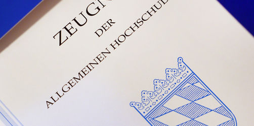 Kultusministerium: Bayern verschiebt Abitur-Prüfungen wegen Corona-Virus