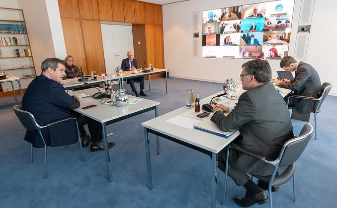 Söder: Maskenpflicht in Bayern wird kommen, Lockerungen nur schrittweise