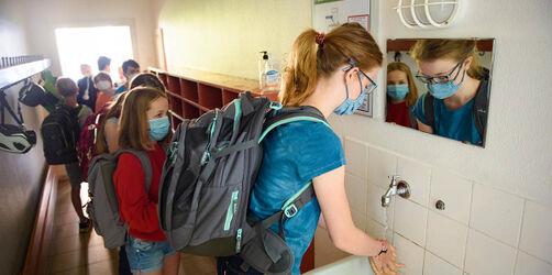 Maskenpflicht im Unterricht denkbar: So soll es nach den Ferien weiter gehen
