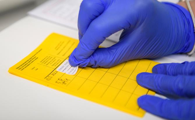 Lockerungen für Geimpfte & Genesene: So muss es nachgewiesen werden