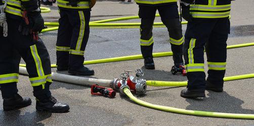 Regensburg: Großübung der Feuerwehr im Fußballstadion