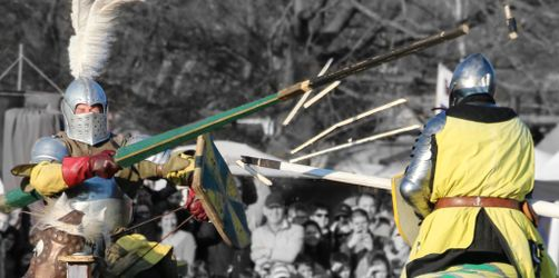 Mittelalterspektakel in Hallbergmoos: Traditionelles Ritterturnier auf dem Hauslerhof