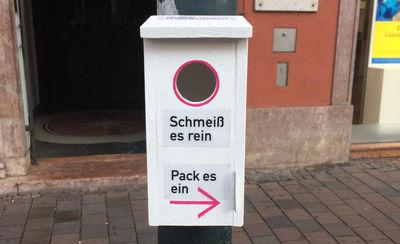 """Augsburg: Mit """"Vogelhäuschen"""" gegen die Kaugummi-Plage"""