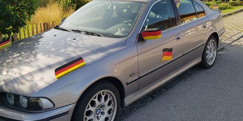 Fanschmuck am Auto: Kaminkehrer-Lehrling aus Schonstett bekommt nicht genug!