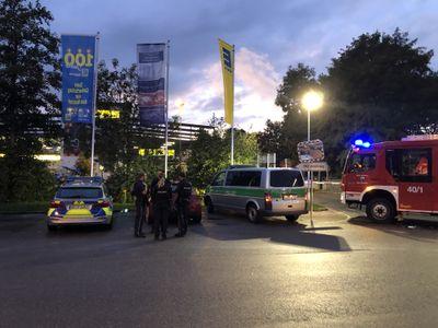 Tödliche Schüsse in Abensberg: Polizei wertet Handy-Videos aus