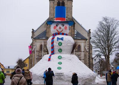 LIVE dabei: Bischofsgrün baut den größten Schneemann Bayerns