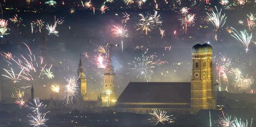 Böllern und Feuerwerk an Silvester: In diesen Städten in Bayern gibt's Verbote