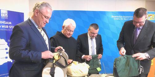 110-Kollektion: In Gremsdorf finden Polizei-Uniformen neue Bestimmung