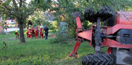 Sturz in die Tiefe: Fünf Schwerverletzte bei Kirschernte in Bad Feilnbach