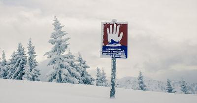 Heikle Lawinensituation im bayerischen Alpenraum: Auch Straßensperrungen