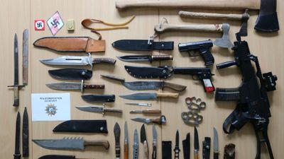 16-Jähriger mit Waffenarsenal: Polizei Eichstätt untersucht rechtsextremen Hintergrund