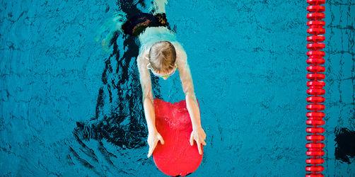 Bad Bocklet: Stadt spendiert Schwimmkurse für Kinder