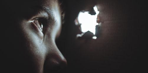 """Zu lange """"weggeschaut und vertuscht"""": Bischöfe stellen Missbrauchsstudie vor"""