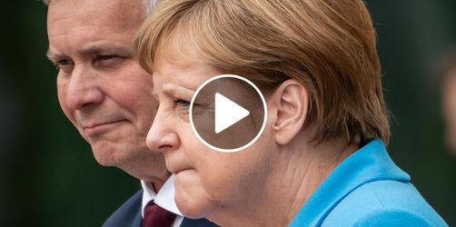 Lippenleserin entlarvt: Das sagt Kanzlerin Merkel bei erneutem Zitteranfall