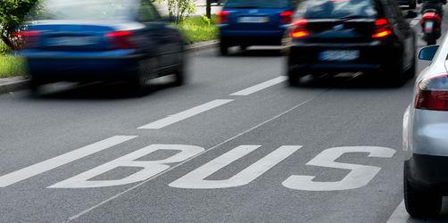 Bußgelder, Parkplätze, Schilder, Busspuren: Das soll sich auf den Straßen bald ändern