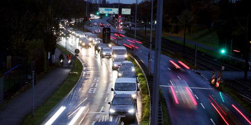 Geheimpapier aus Umweltbundesamt knallhart! So müssten Autofahrer für Klimaschutz büßen