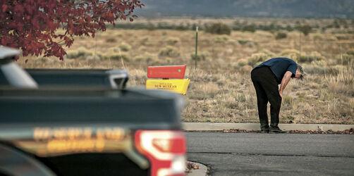 Neue Vorwürfe nach Tod am Film-Set: Schoss die Crew mit scharfen Waffen?