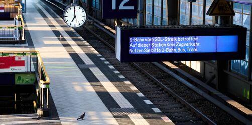 Lahmgelegter Bahnverkehr: So wirkt sich der Streik aktuell auf die Zugverbindungen aus