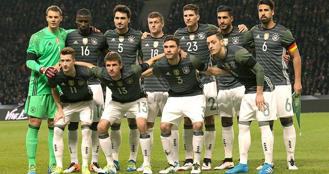 Mit Antenne Bayern Zum Spiel Der Weltmeister Deutschland Gegen