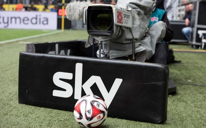 Bundesliga im TV teuer wie nie: Auf das müssen sich Fußball-Fans einstellen!