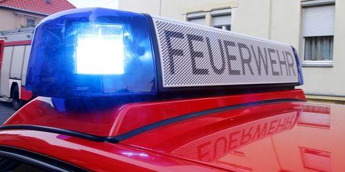 Großbrand bei Bayerbach zerstört komplettes Gebäude: Verletzt wurde niemand