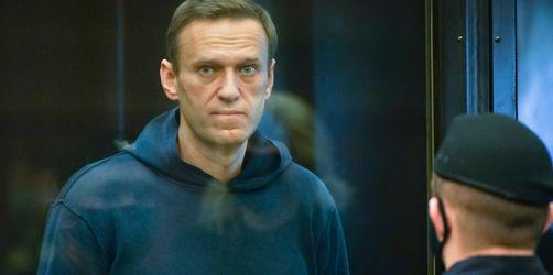 Gericht verurteilt Kremlgegner Nawalny zu dreieinhalb Jahren Haft