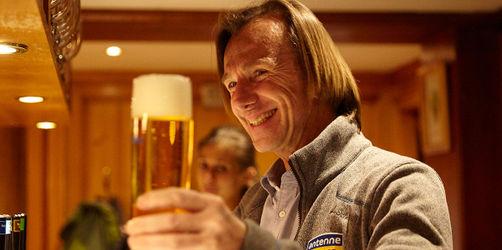 Leiki überrascht Vollblut-Gastronom mit Bayern-Tickets gegen Liverpool